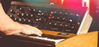 Der Synthesizer in der Rockmusik der 60er und 70er Jahre