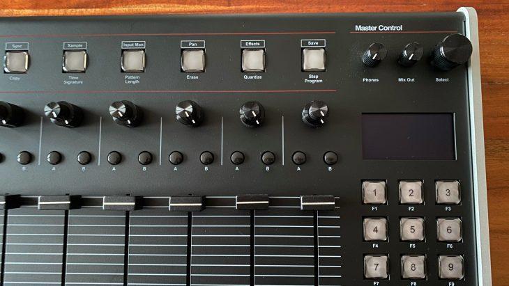 Isla Instruments S2400 Sample-Drummachine