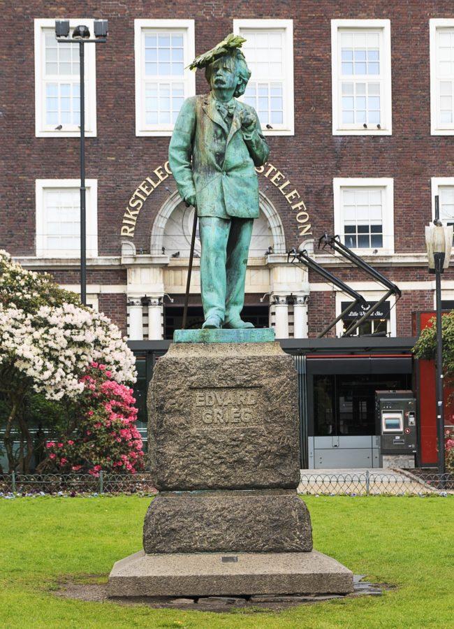 Billy Currie nennt neben Elgar und Reger Eduard Grieg als einen seiner musikalischen Einflüsse bei Vienna. Hier das Denkmal des Komponisten in Bergen, Norwegen (Mit freundlicher Genehmigung von Richard Todd, UK vi Pixabay)