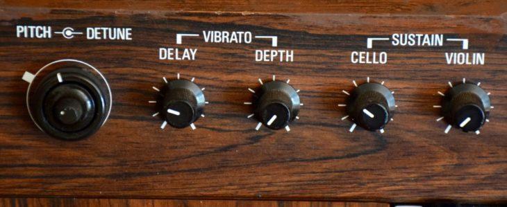Eine Besonderheit des Yamaha SS-30 ist, dass er zwei Oszillatoren besitzt, die gegeneinander verstimmt für einen fetten Sound sorgen.