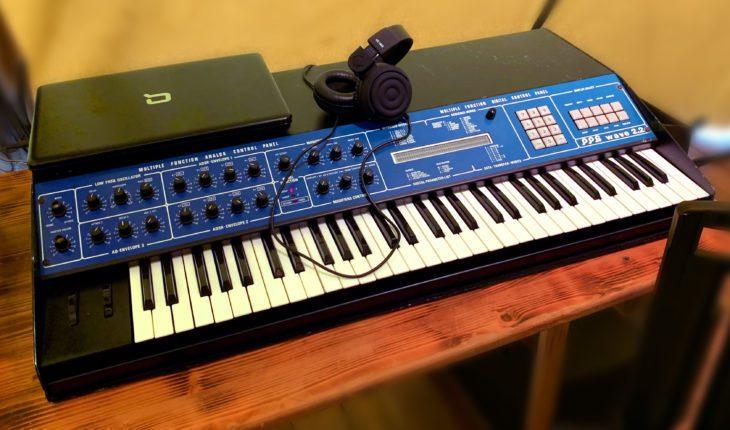 Ultravox erzielte auf späteren Alben einen einzigartigen Bass-Sound, indem sie den Minimoog mit einem PPG Wave 2.2 doppelten.
