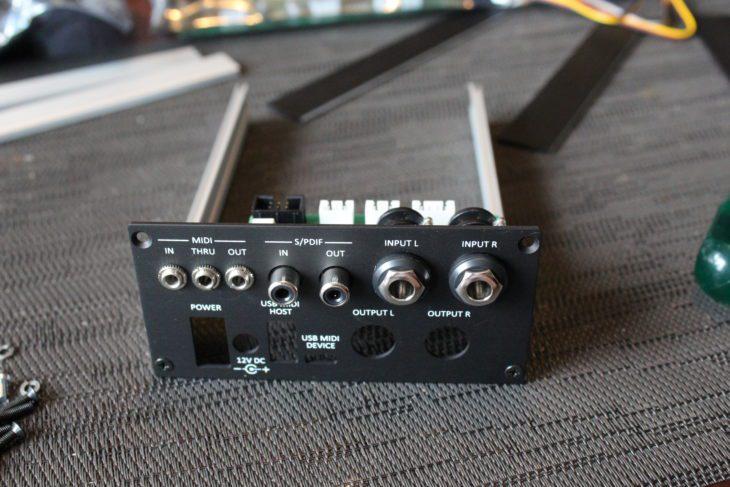 MakeProAudio DinoPark backpanel