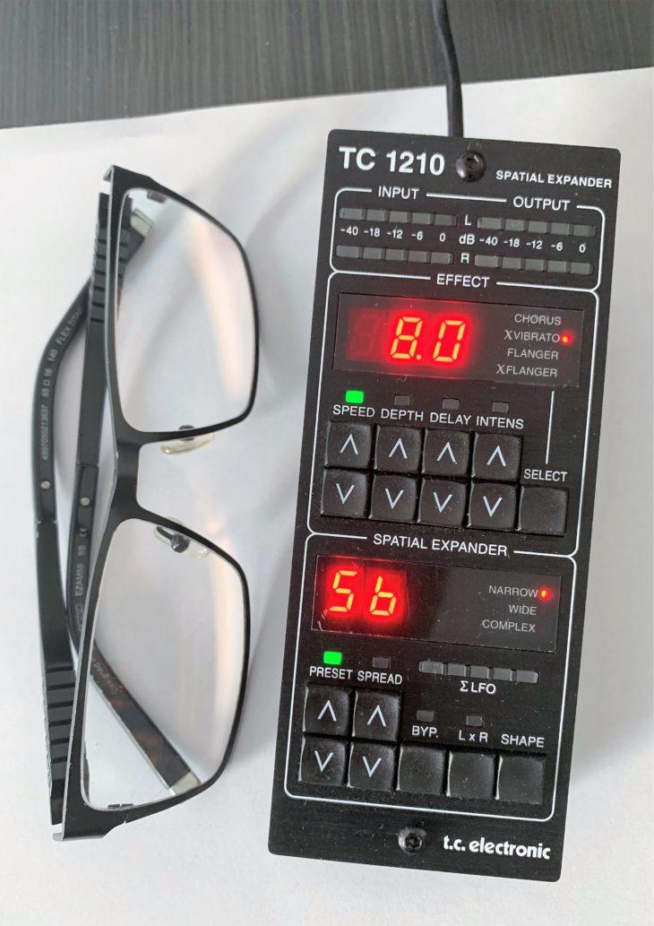 TC1210_DT_Brille