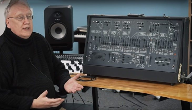 Rob Keeble mit dem Original ARP 2600