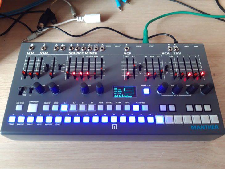 Klangvergleich Stereo-Reverb-Pedale für Synthesizer Malekko Manther
