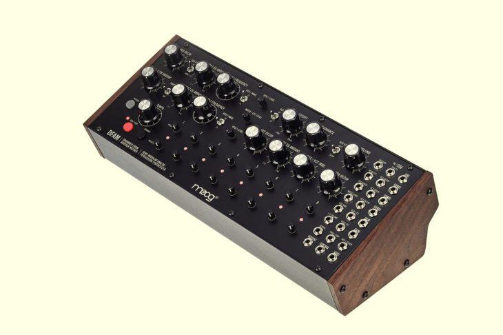 Klangvergleich Stereo-Reverb-Pedale für Moog DFAM
