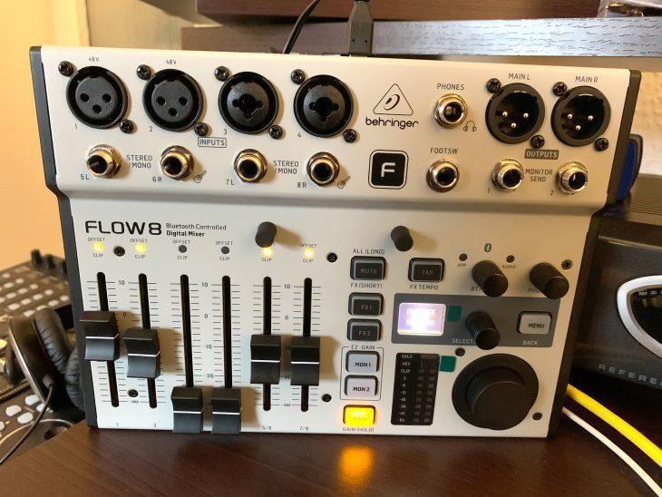 Behringer FLOW 8 Digital Mixer für Stage & Studio