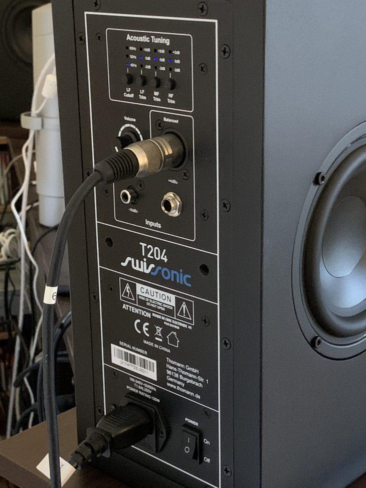 Swissonic-T204-Studio-Monitor-Test-Rückseite_04