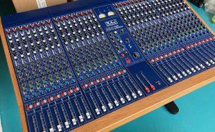Studiomischpult TL-Audio M4 mit 32 Kanälen