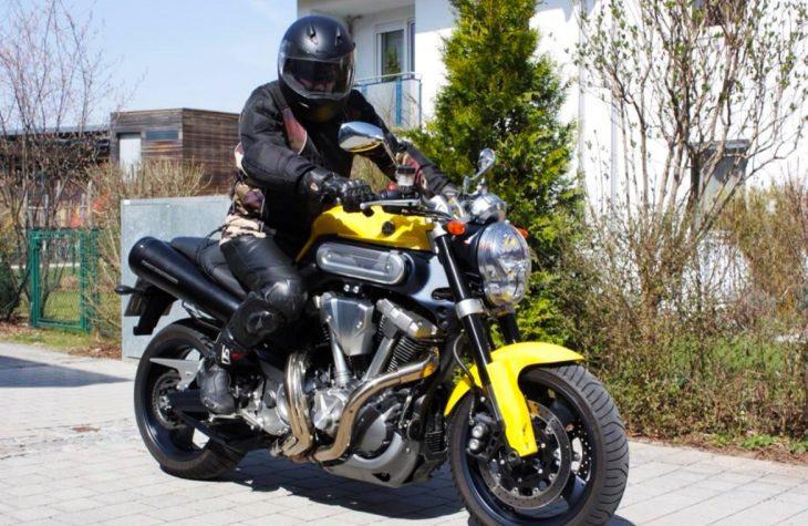 Richtighoeren_Motorrad