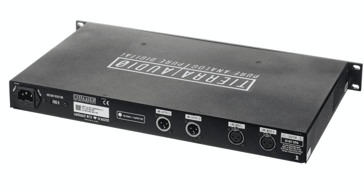 Test:Tierra Audio Gravity VCA Bus Compressor Compressor back