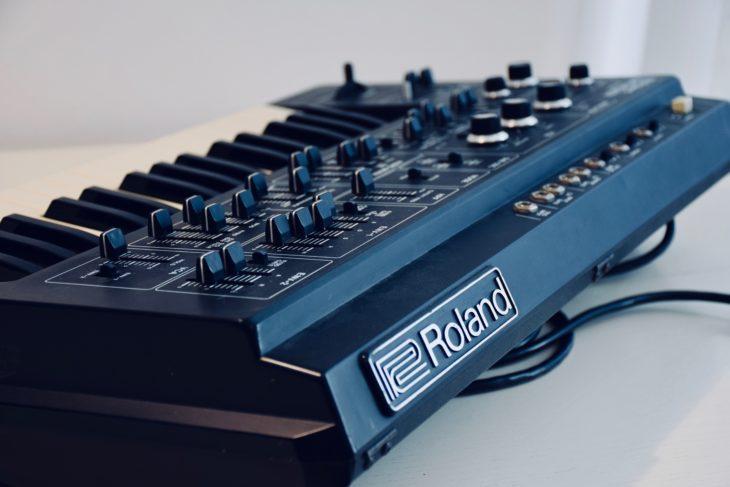 Roland SH-1 Rückseite