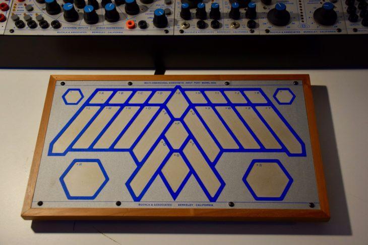 Ein Buchla 200e-Touchboard