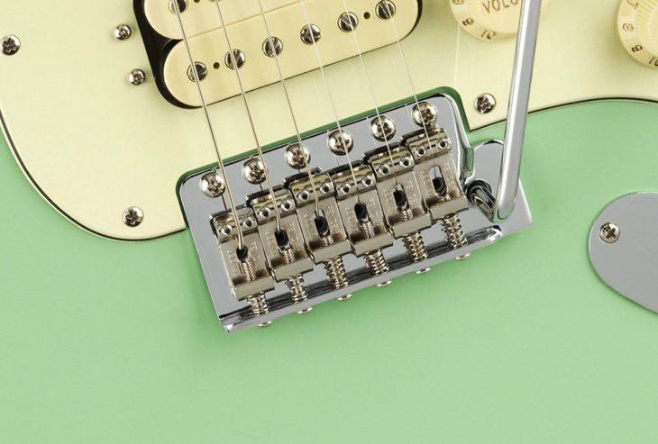 Fender American Performer Strat Vibrato