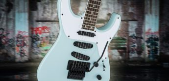 Test: Jackson Soloist SL4X Daphne Blue, E-Gitarre
