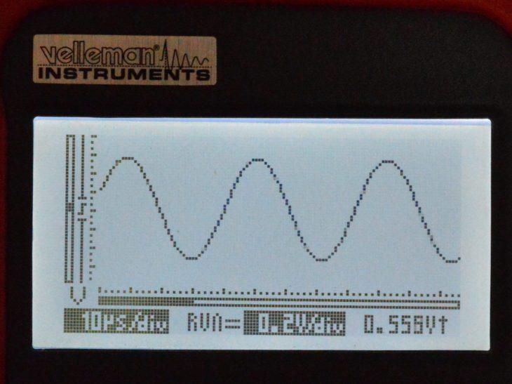 Der AC-Converter spuckt einen hohen Sinus aus, der in der Amplitude variiert wird