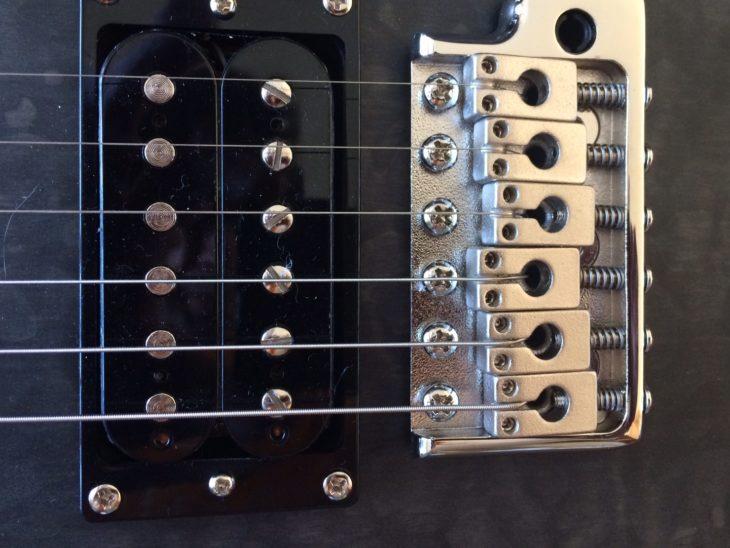 PRS SE Custom 24 Stealth Quilt LTD vibrato