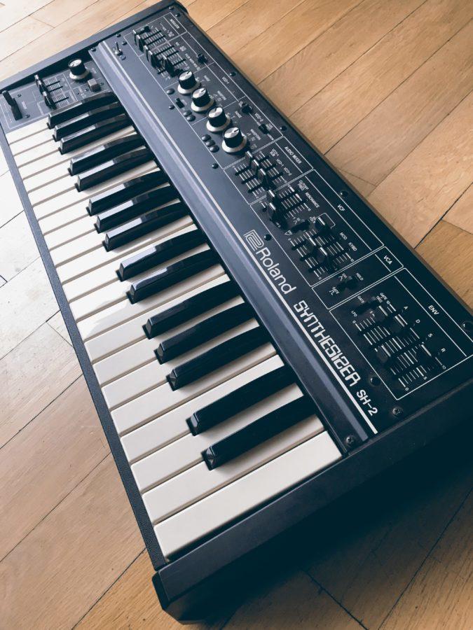Der Roland SH-2