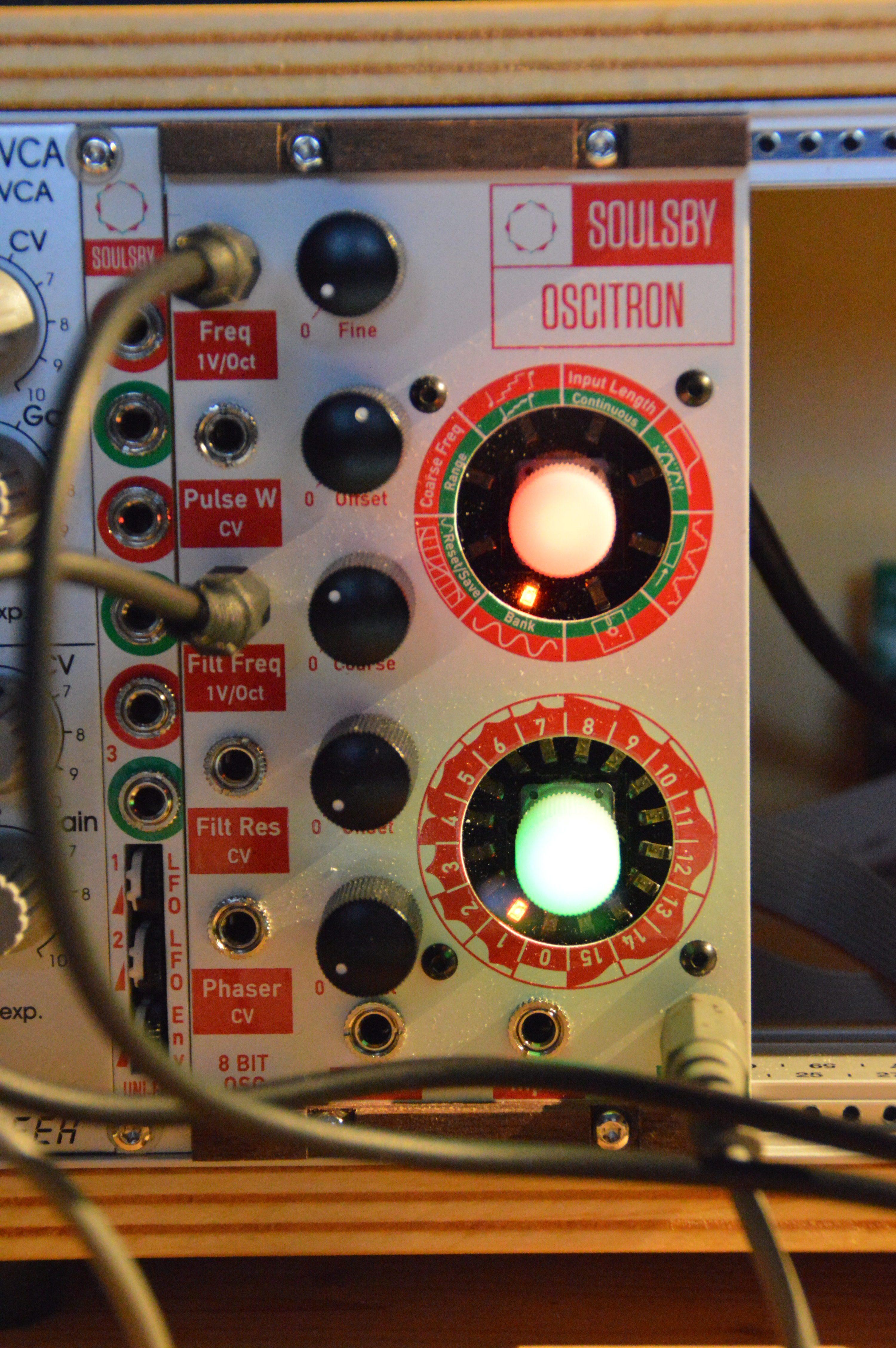 Test Soulsby Oscitron 8 Bit Eurorack Oszillator Wiring Diagrams Euro Rack Das Beiliegende 4 Farbig Bedruckte Broschre Gibt Detailliert Auskunft Ber Die Verschiedenen Funktionen Und Ist Gut Geschrieben Auf Englisch