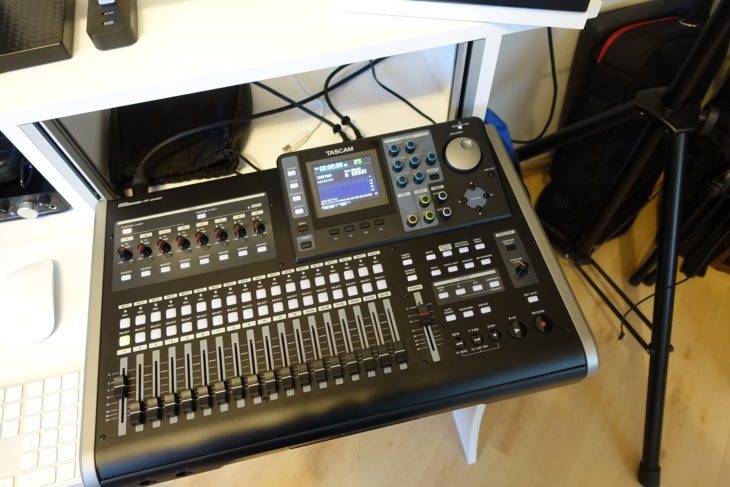 Tascam DP-24 SD auf Konsole