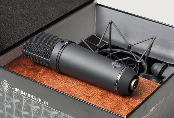 """Das Neuman U87-Mikrofon bezeichnet Produzent Tony Visconti als sein """"Schweizer Taschenmesser"""" unter den Mikrofonen."""