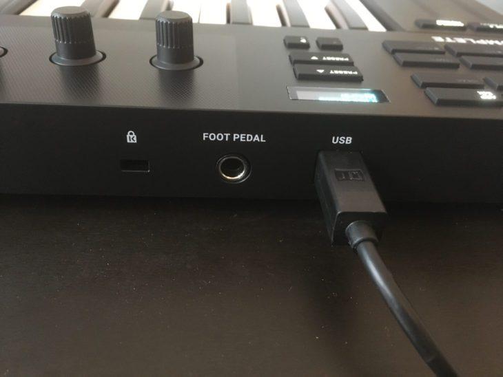 ative instruments komplete kontrol m32