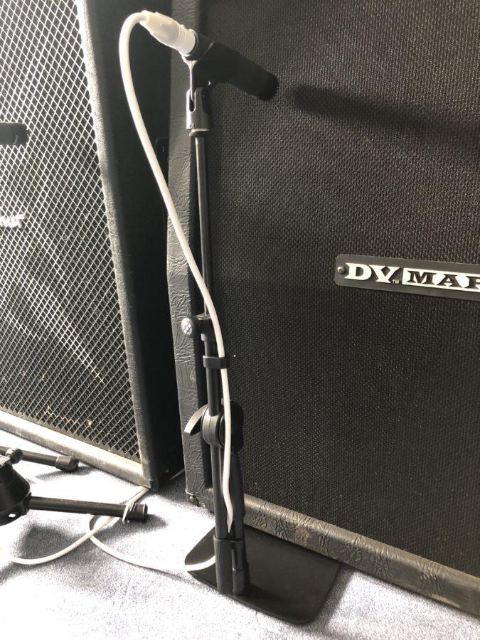Mikrofonstative auf der Bühne