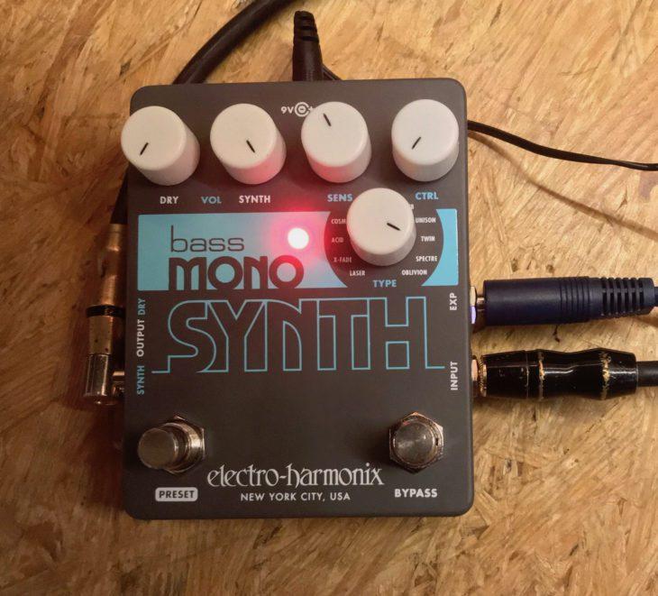 Electro Harmonix Bass Mono Synth 06
