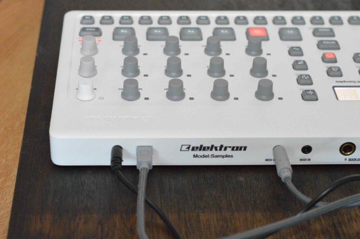 Der USB-Anschluss ist nur zum Austausch von Sample- und MIDI-Daten - nicht zur Stromversorgung