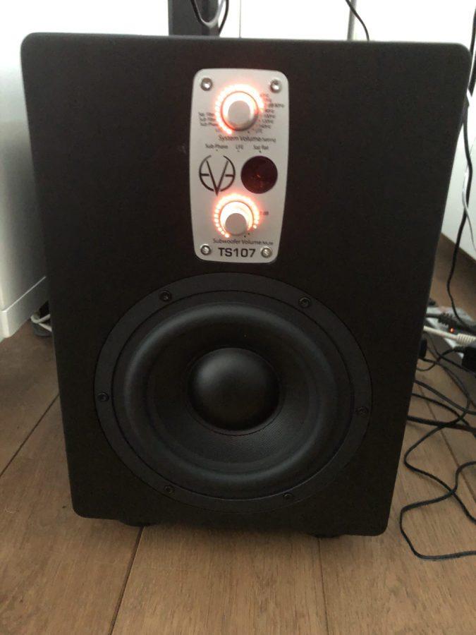 Eve Audio TS107 - leuchtende LED