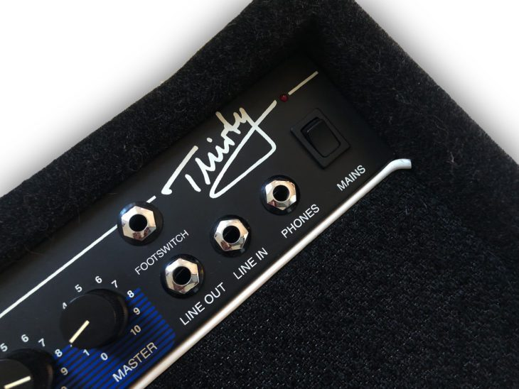 Hughes & Kettner ATS Thirty panel 2