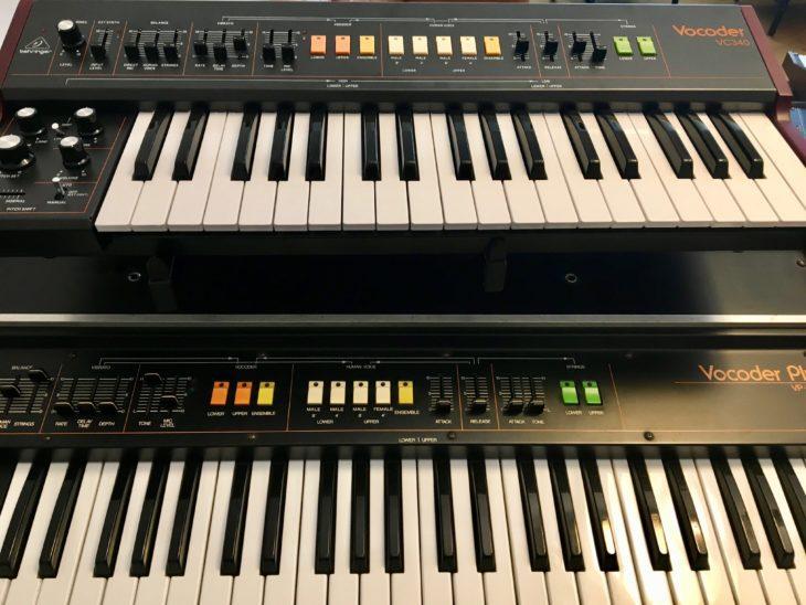 Beim Design lehnt sich der Behringer an den Roland Vocoder Plus an, auch als MK II bekannt.