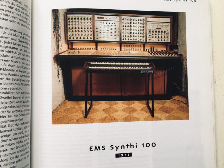 """EMS hat nicht nur """"Koffersynthesizer"""" gebaut. Hier der EMS Synth 100"""