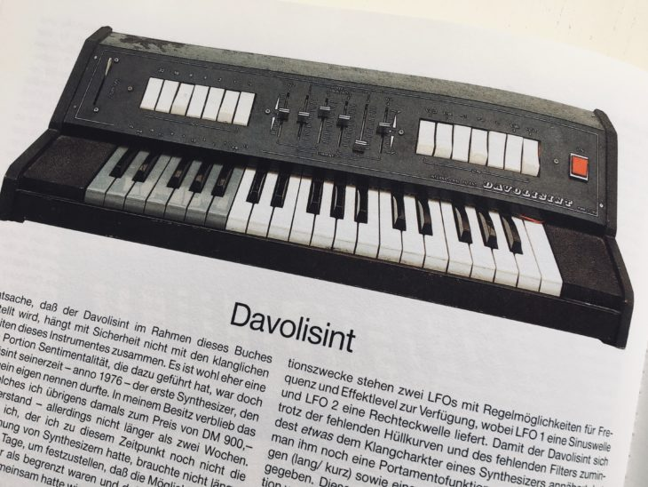 Seinen ersten Synthesizer - den Davolisint - hat Matthias Becker schnell wieder ausgemustert.