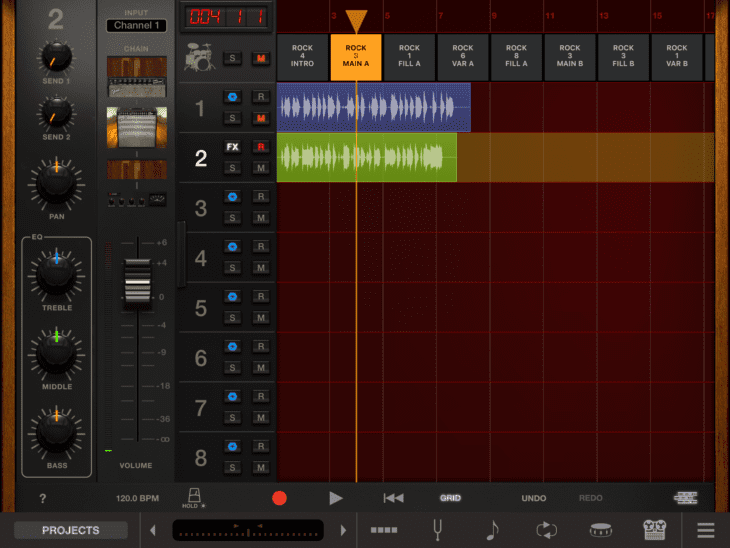 IK Multimedia iRig Micro Amp in Verbindung mit der Amplitube App für iPad.