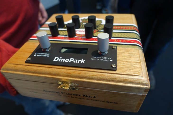 MakeProAudio Dino Park in Zigarrenkiste