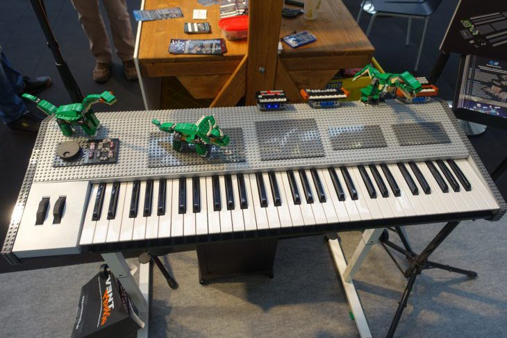 MakeProAudio Dino Park Lego-Synthesizer