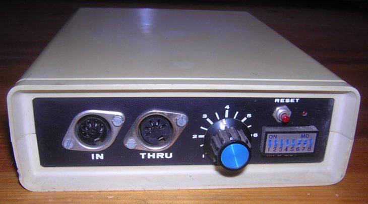 Schlusspunkt: der MIDI/CV-Wandler MFB-201 - Bildquelle: Vintage Audio Berlin