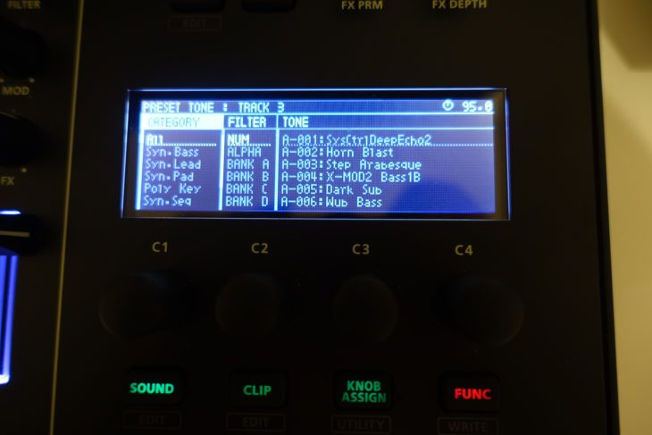 Roland MC-707 Sound-Display