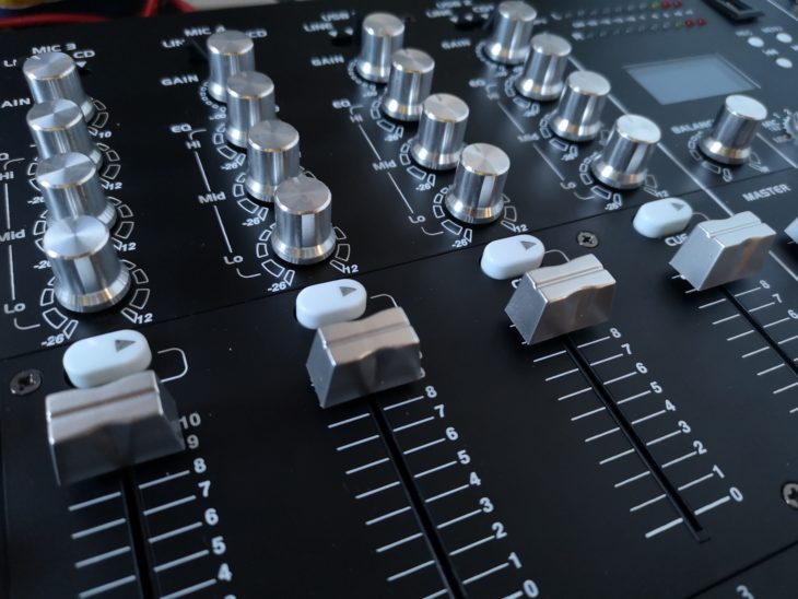 the t.mix 402-USB Play Mixer Bereich
