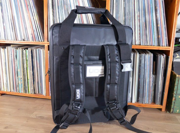 UDG Ultimate CD Player / Mixer Bagpack Large MK2