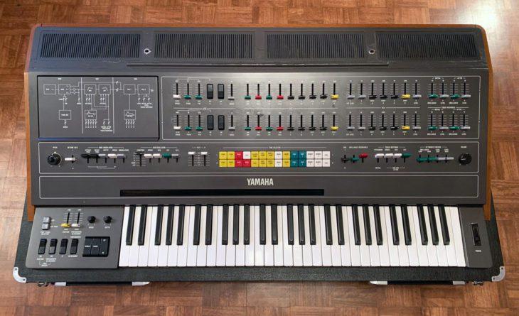 Den CS-Synthesizern bescheinigt Becker Defizite im Bassbereich. das sehen nicht alle so.