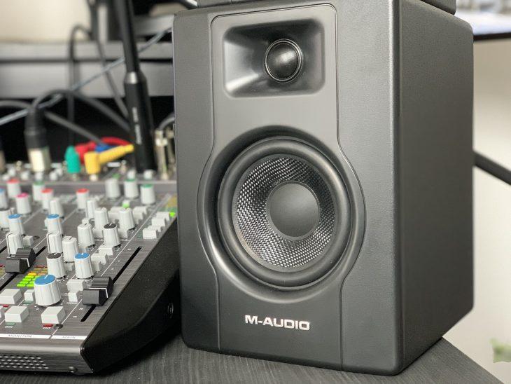 M-Audio_BX3_4_Six