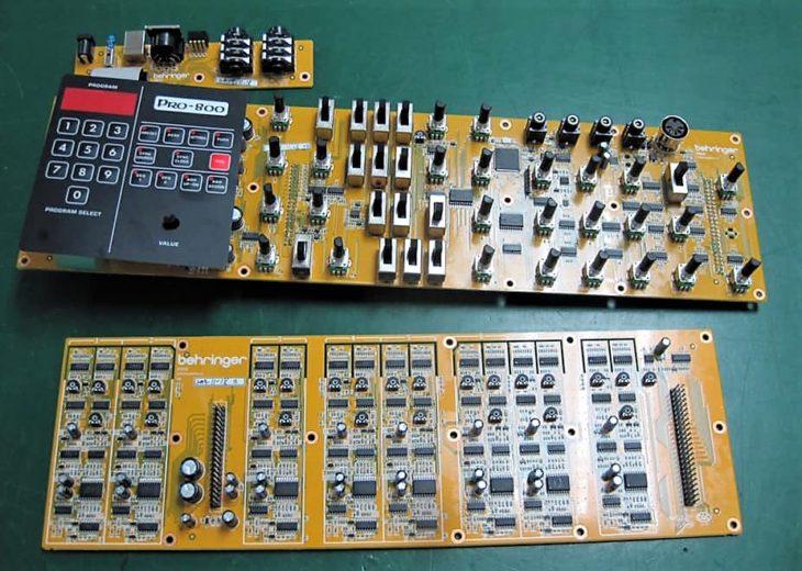 Behringer Pro-800 Synthesizer
