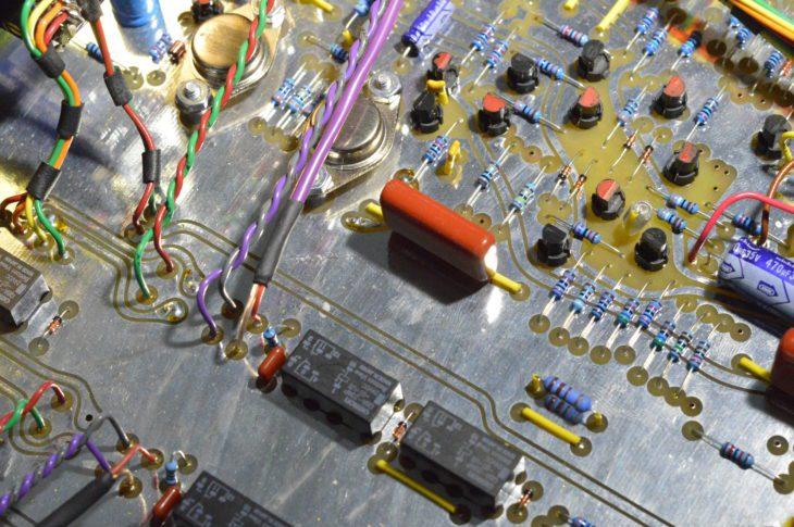 Es kommen keine SMD-Komponenten und nur diskrete Bauteile zum EInsatz