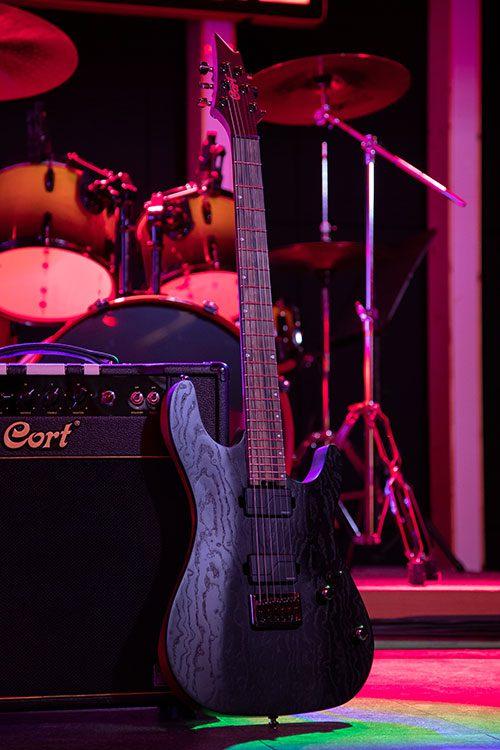 Test: Cort KX 500 Etched Black, E-Gitarre