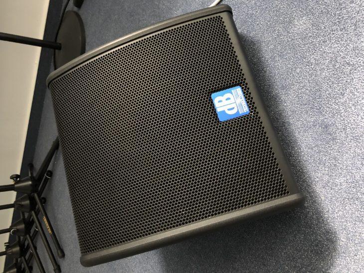 Test: dB Technologies Flexsys FM10 Bühnenmonitore Test: dB Technologies Flexsys FM10 Bühnenmonitore Test: dB Technologies Flexsys FM10 Bühnenmonitore