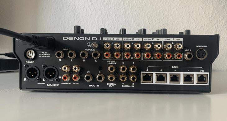 Die Rückseite des Denon DJX1850 Prime.