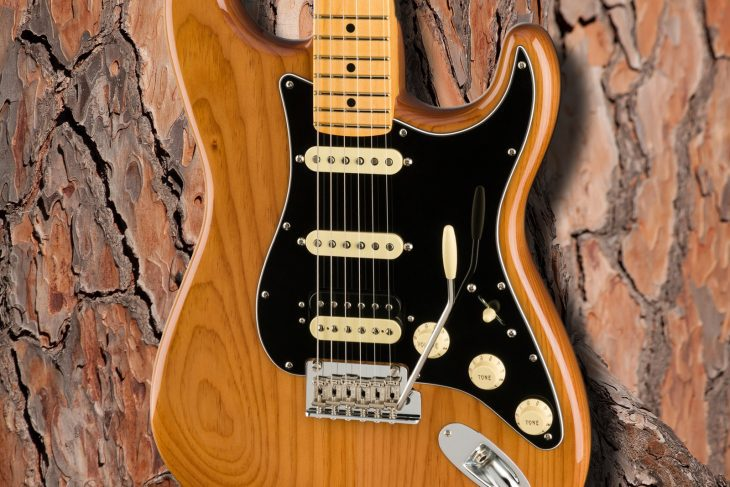 Fender AM Pro II Strat HSS E-Gitarre