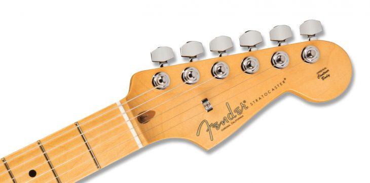 Fender AM Pro II Strat HSS Headstock